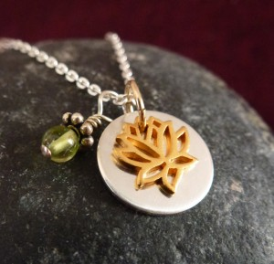 Gold lotus with ss disc peridot main