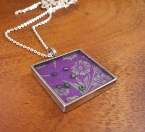 Purple flower bezel resin 1